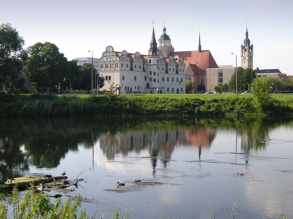 Blick auf Dessau von der Mulde